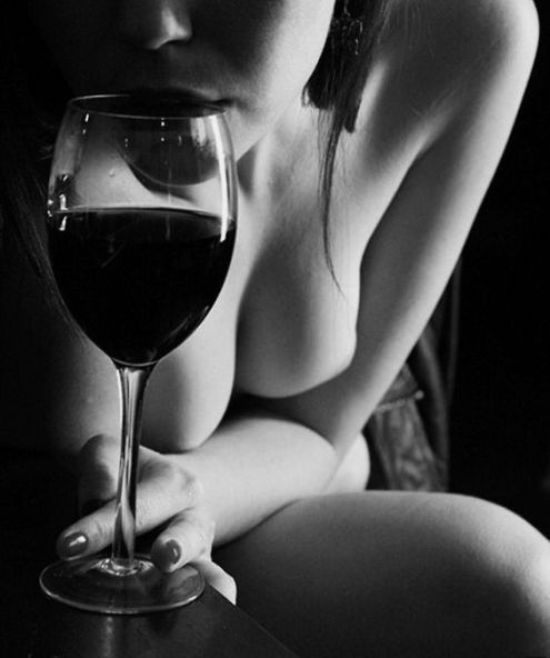 woman-and-wine
